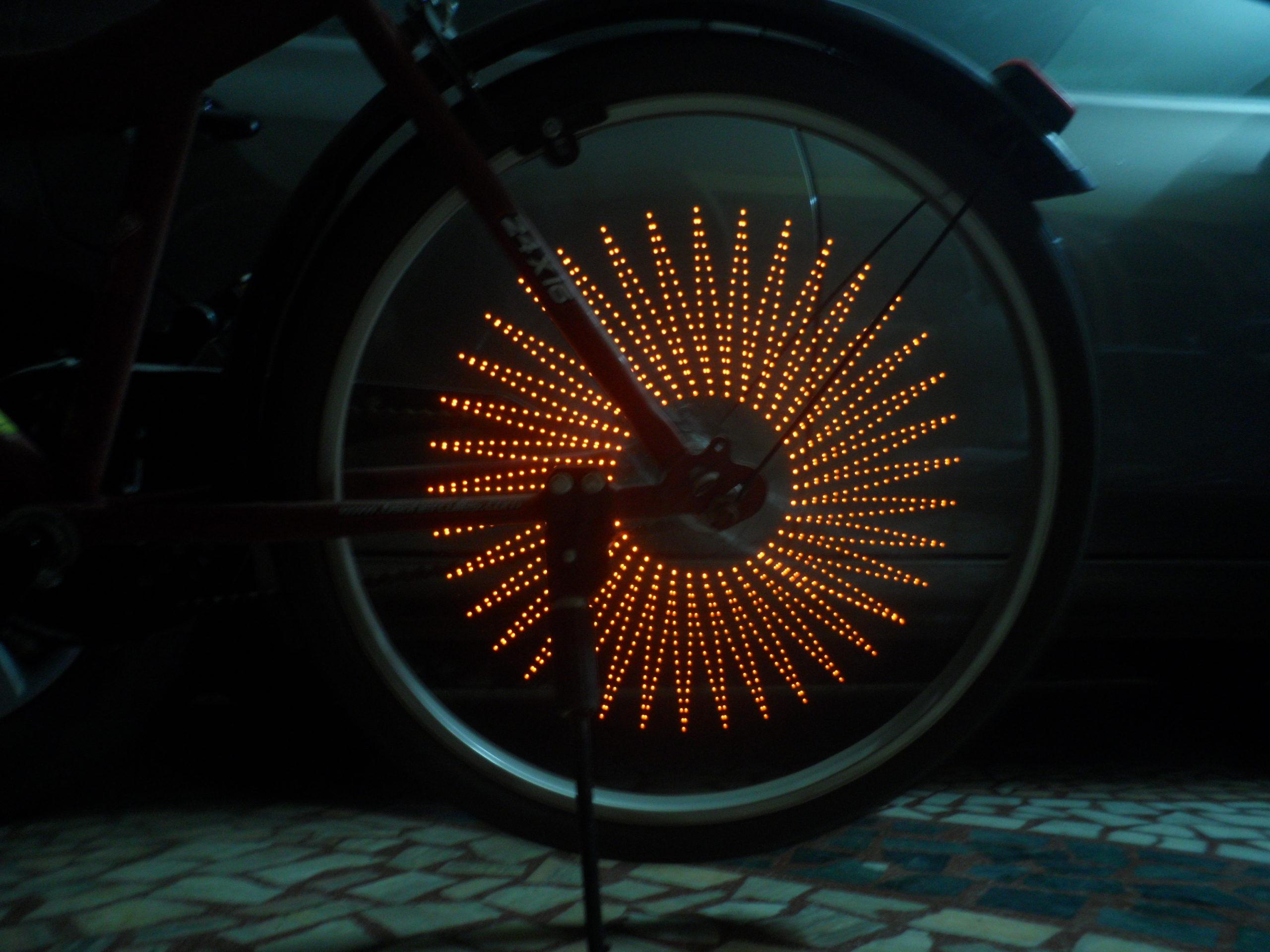 Cycle spoke POV wand